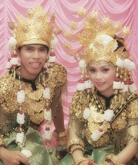 baju-adat-sumatra-selatan